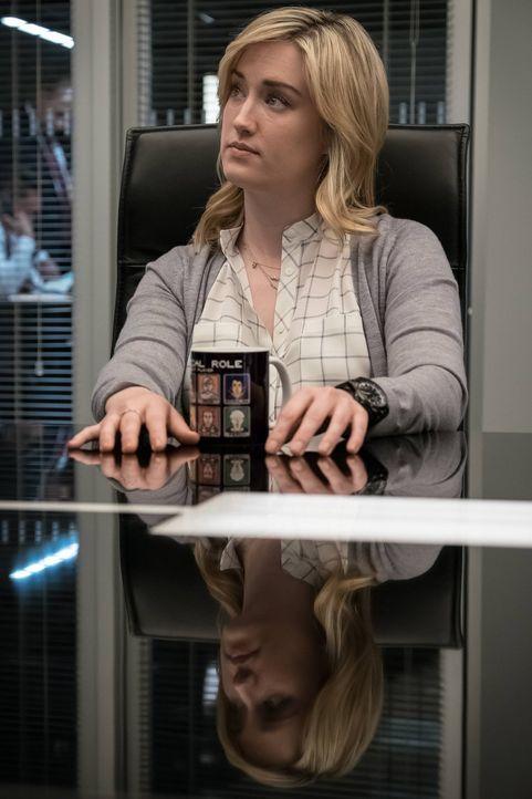 Begibt sich auf eine Suche, deren Ergebnis sie Kopf und Kragen kosten kann: Patterson (Ashley Johnson) ... - Bildquelle: Warner Brothers