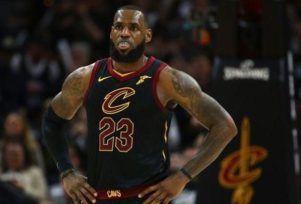 LeBron James verliert zum Auftakt