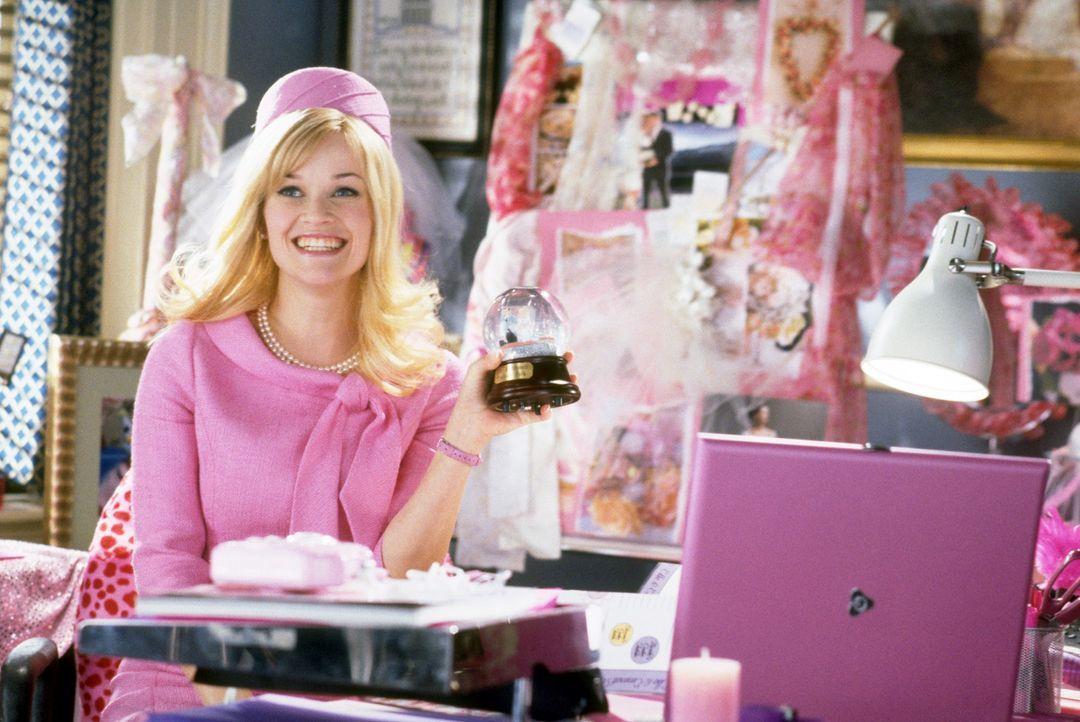 Nach ihrem Harvard-Abschluss arbeitet Elle (Reese Witherspoon) jetzt als junge, aufstrebende Anwältin bei einer großen Wirtschaftskanzlei und steckt... - Bildquelle: Metro-Goldwyn-Mayer (MGM)