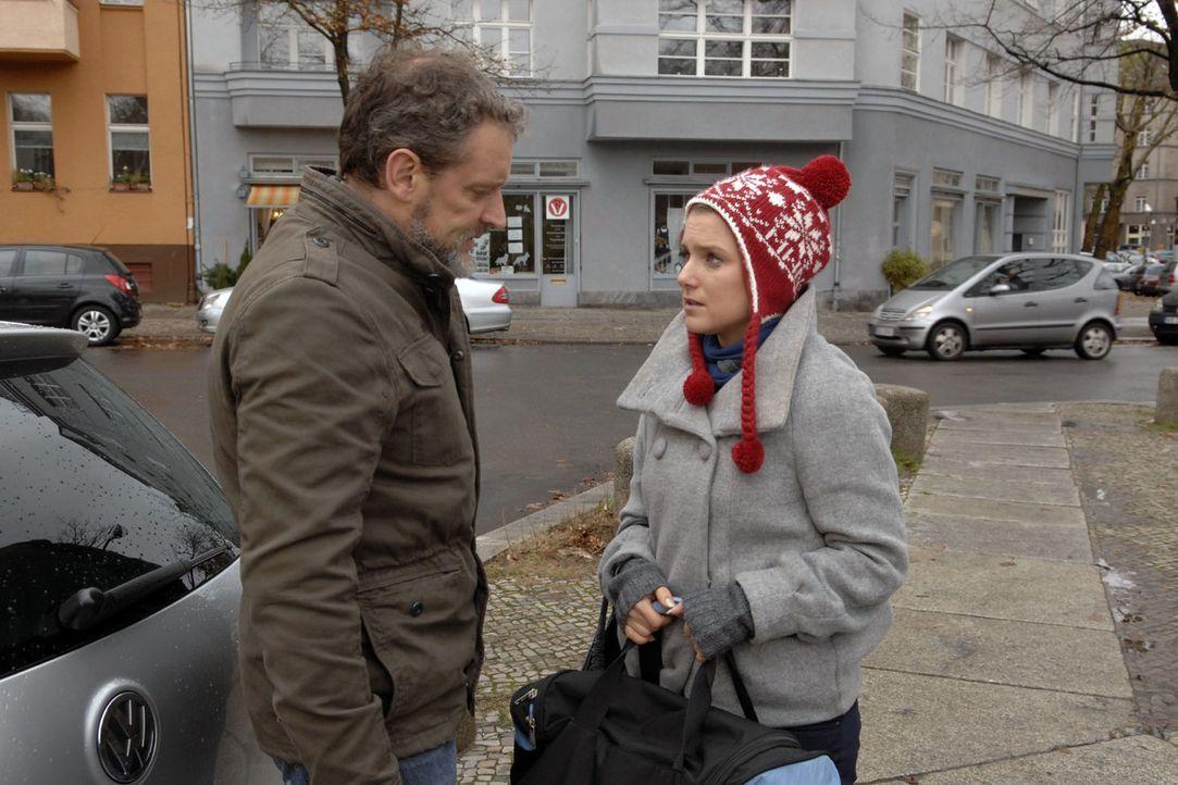 Ingo (Wolfgang Wagner, l.) will nicht, dass seine Tochter Anna (Jeanette Biedermann, r.) ihm folgt und ein Leben auf der Flucht lebt ... - Bildquelle: Claudius Pflug Sat.1