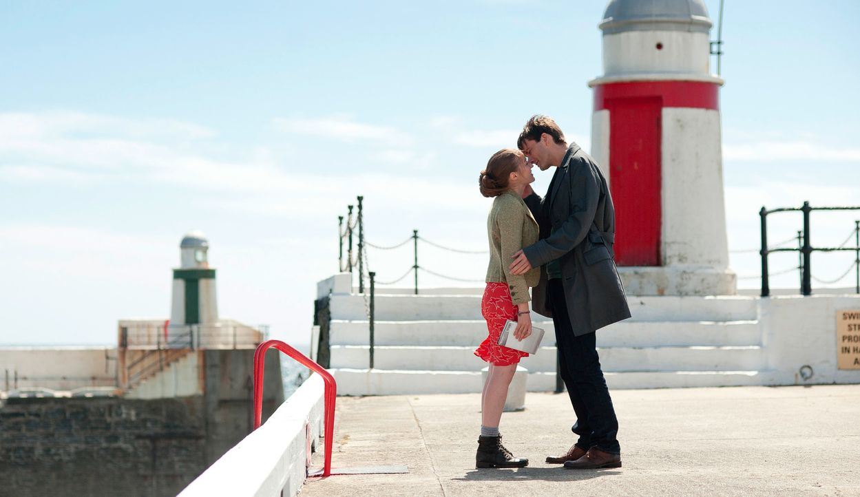 Ende gut, alles gut: Katie (Kelly Macdonald, l.) und James (David Tennant, r.) ... - Bildquelle: Tiberius Film GmbH