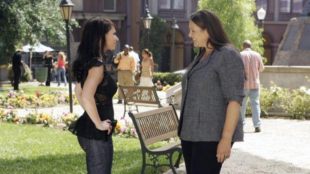 In ihren Visionen hat Melinda (Jennifer Love Hewitt, l.) ein Haus gesehen, da...
