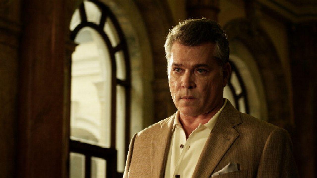 Rache ist süß: Wird es Marty Kingston (Ray Liotta) schaffen, die Täter zu stellen, die seine Teammitglieder ermordet haben? - Bildquelle: 2011 Twentieth Century Fox