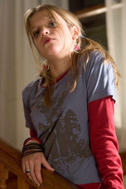 Während die Mutter den ganzen Tag im Casino verbringt, sucht sich die Tochter (Carson Brown)einen gefährlichen Zeitvertreib ...