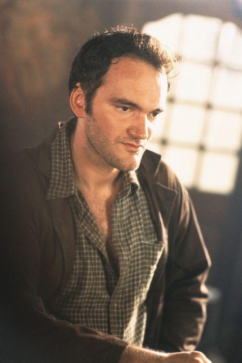 Mit seinem Pick-Up hat er (Quentin Tarantino) einen Fremden Anhalter mit in die Stadt genommen. Schließlich wusste er ja nicht, dass sich dieser auf... - Bildquelle: Columbia Pictures