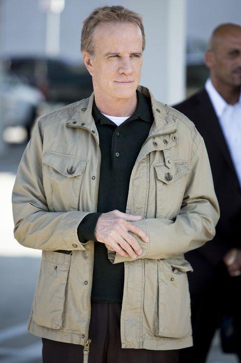 Schwört Rache: Marcel Janvier (Christopher Lambert) ... - Bildquelle: CBS Studios Inc. All Rights Reserved.