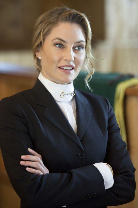 Einer ihrer Schützlinge liegt im Koma und Clubbesitzerin Lois Whitworth (Mädchen Amick) gibt sich äußerst besorgt ... - Bildquelle: 2012 The CW Network, LLC. All rights reserved.
