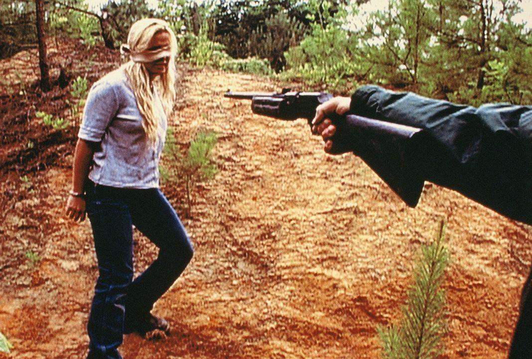 Der Killer verhöhnt seine Opfer und jagt sie wie Tiere, bevor er sie niederschießt ... - Bildquelle: Randy Jacobson New Dominion Pictures, LLC