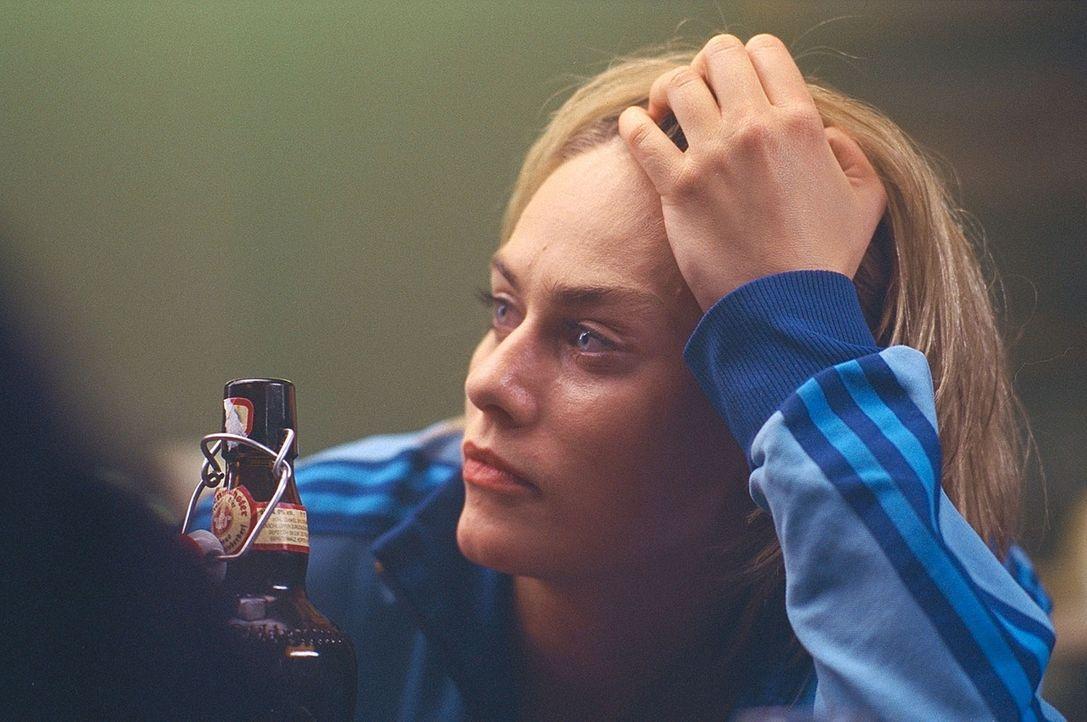 Auf der Insel stößt Claire (Gesine Cukrowski) auf eine Mauer des Schweigens. Trotzdem findet sie deutliche Hinweise, dass dies der Ort ihrer Albträu... - Bildquelle: ProSieben / Wilkins und Klick