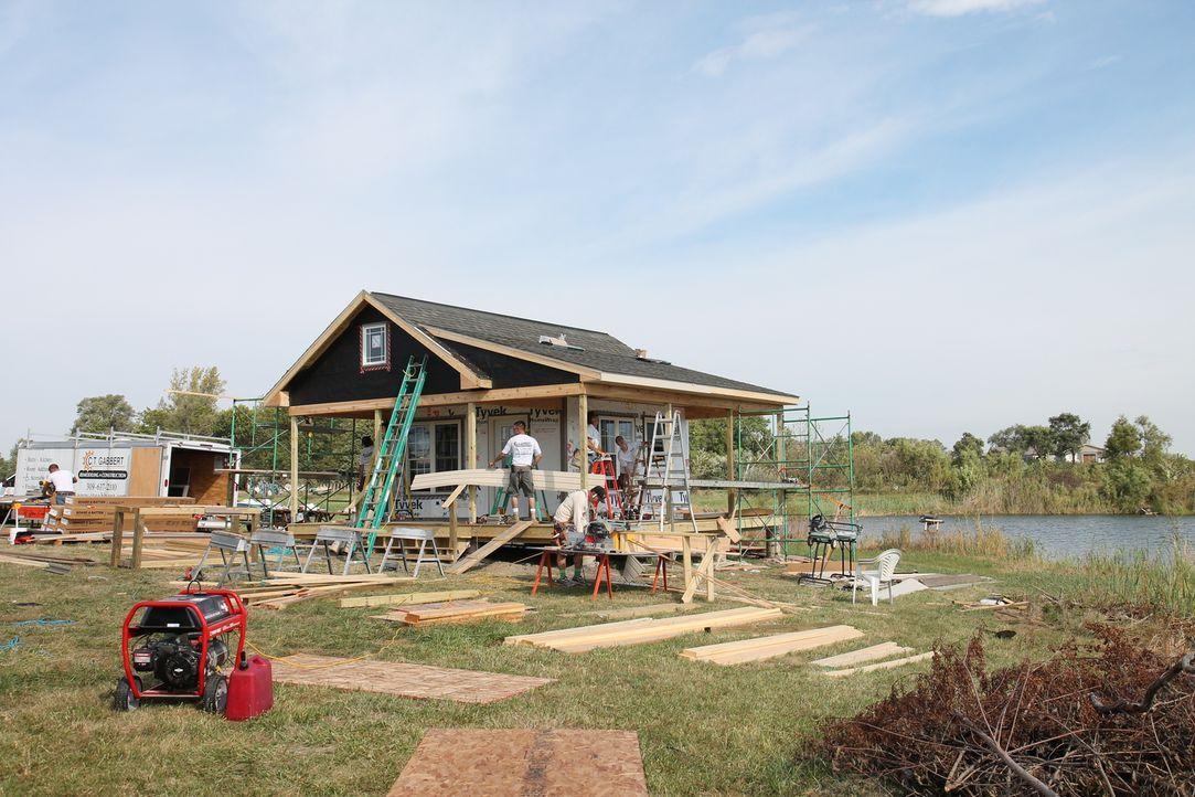 Um das Gästehaus für die nächste Generation der Familie Gabbert zu bauen, werden viele helfende Hände benötigt ... - Bildquelle: 2016,DIY Network/Scripps Networks, LLC. All Rights Reserved.
