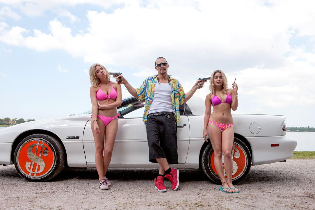 springbreakers-05-wild-bunch-germanyjpg 1700 x 1133 - Bildquelle: wildbunch germany