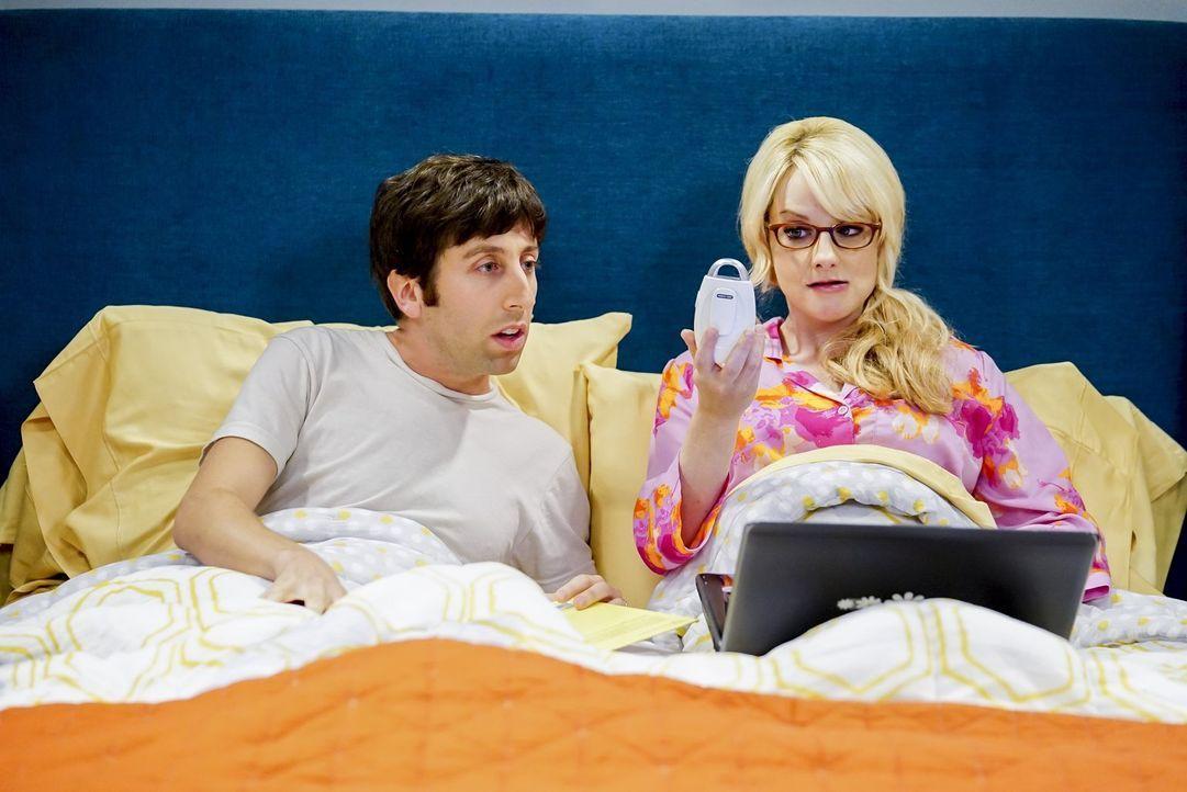 Wegen Howards (Simon Helberg, l.) Vasektomie und Bernadettes (Melissa Rauch, r.) Schwangerschaftsüberlastung sind beide ans Bett gefesselt. Doch als... - Bildquelle: Warner Bros. Television