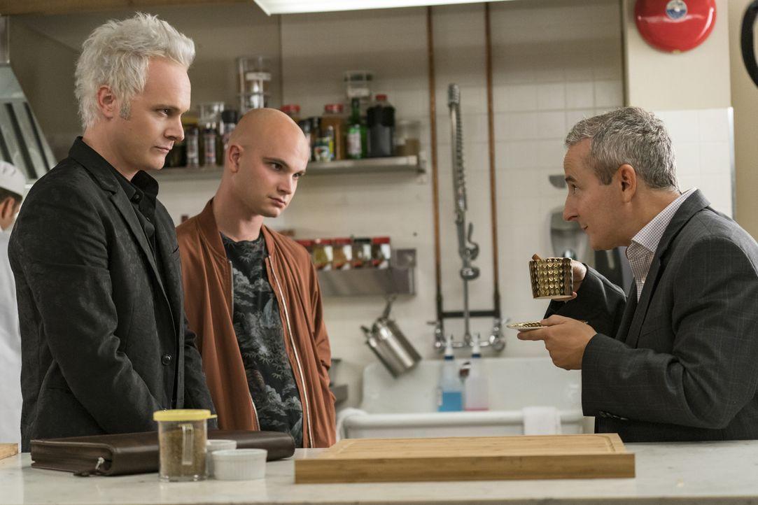 (v.l.n.r.) Blaine (David Anders); Don E (Bryce Hodgson); Stacey Boss (Eddie Jemison) - Bildquelle: Warner Bros.