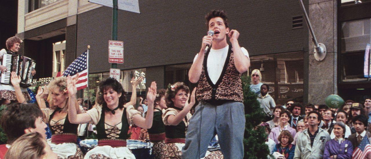 Rock-Parade mit Ferris (Matthew Broderick, vorne) - Bildquelle: Paramount Pictures