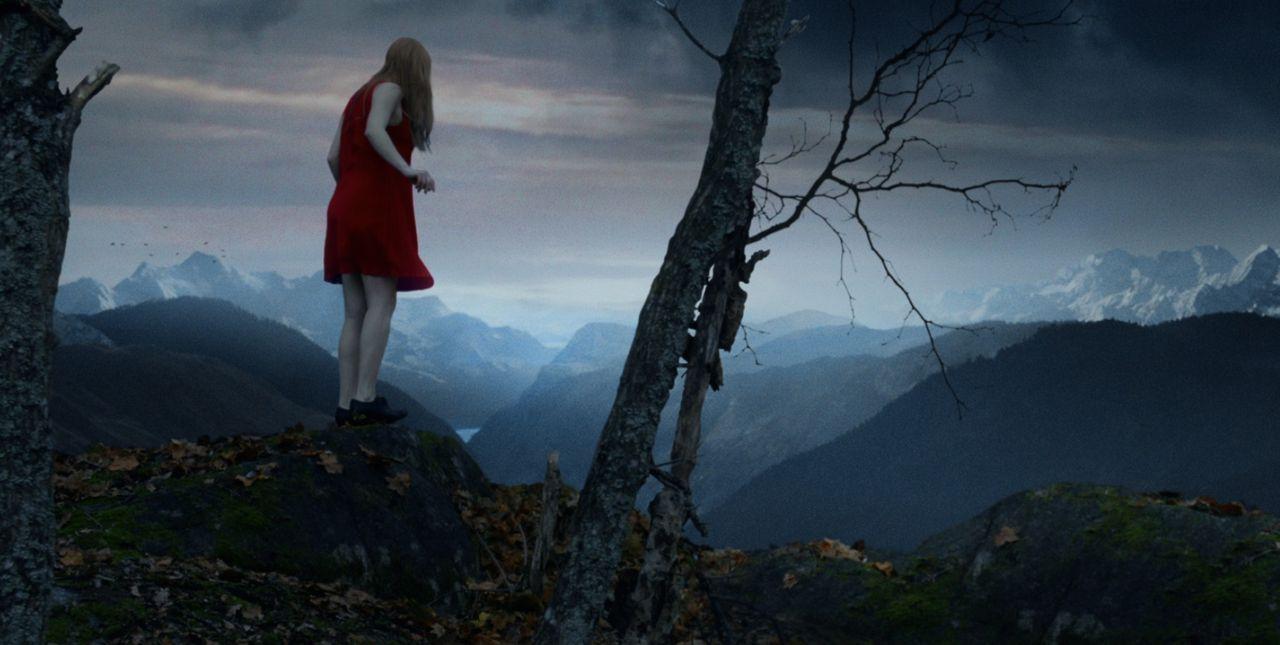 Erik ist es gelungen, Didi (Sara Soulié) zu kidnappen und sie in die Berge Norwegens zu bringen ... - Bildquelle: Fisherking Oy 2013