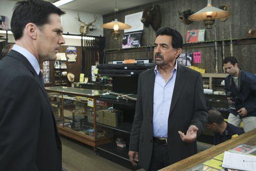 Criminal Minds - Ein neuer Fall beschäftigt Hotch (Thomas Gibson, l.) und Ros...