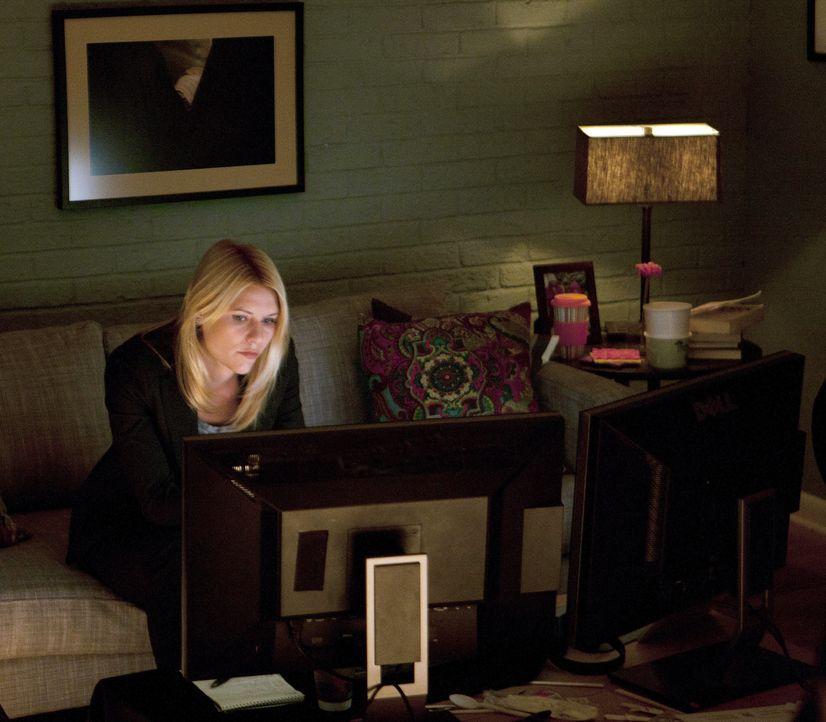 Auch wenn es sie den Job kosten sollte, Carrie (Claire Danes) versucht alles, um belastende Beweise gegen Sergeant Brody zu finden ... - Bildquelle: 2011 Twentieth Century Fox Film Corporation. All rights reserved.