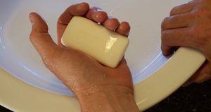 Antibakterielle Seife ist nicht so gesund, wie die Werbung Sie glauben macht.