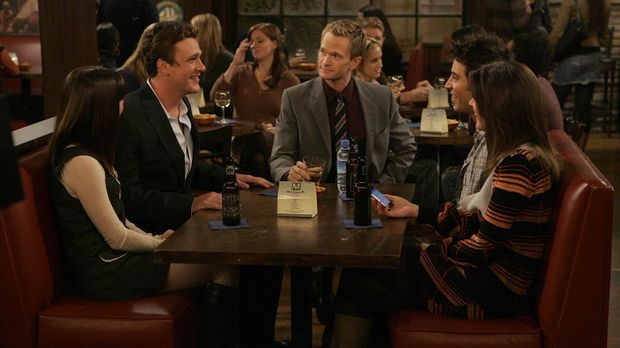 Wollen gemeinsam Thanksgiving feiern: Robin (Cobie Smulders, r.), Barney (Nei...