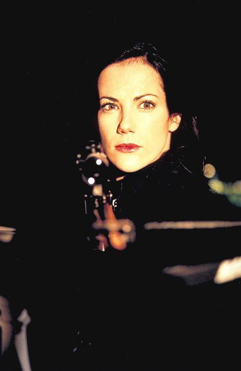 Obwohl sich Polizei und Versicherung an ihre Fersen haften, kann und will Jill (Bettina Zimmermann) nicht aufgeben. Um die letzte der 32 Schachfigur... - Bildquelle: Jeanne Degraa ProSieben