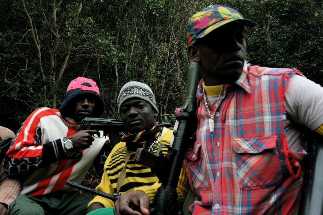 Am 10. September 2000 fand in Sierra Leone eine der mutigsten Rettungsmissionen der letzten Jahre statt. 150 Soldaten der Spezialeinheit SAS drangen... - Bildquelle: James Leigh 2008 DANGEROUS FILMS