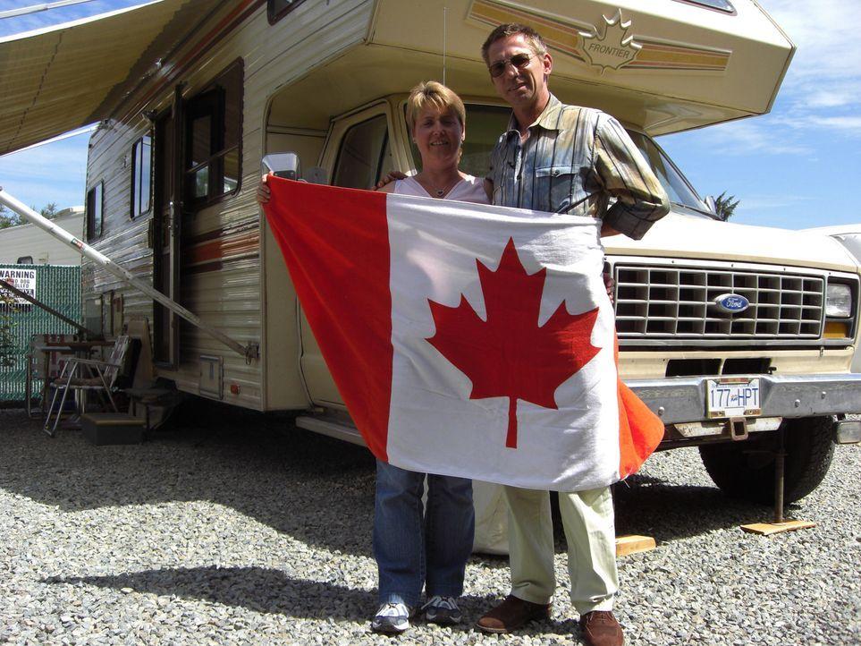 Dirk Klein (49) und seine Frau Silvia (45) aus dem oberbayerischen Peiting wandern endlich in ihr Traumland aus. Die Ungewissheit, wie lange Dirk se... - Bildquelle: kabel eins