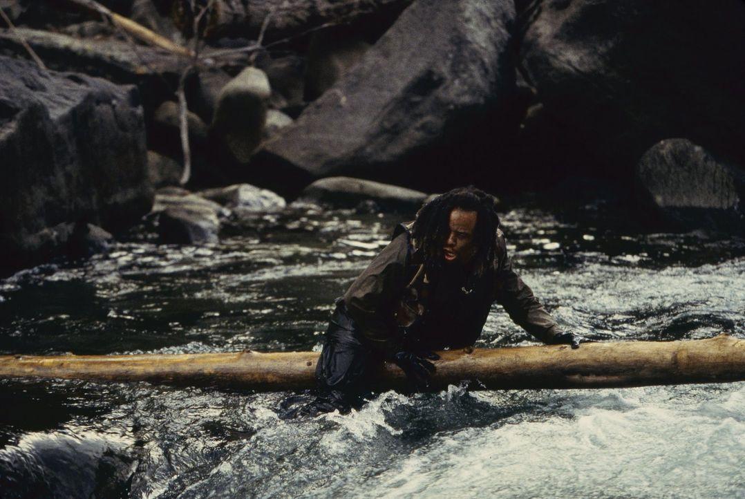 Jack Mason (Ice-T) ist schwarz und obdachlos, ein Mann, der nichts zu verlieren hat. Da erhält er ein verlockendes Angebot von einem mysteriösen Ges... - Bildquelle: Warner Brothers