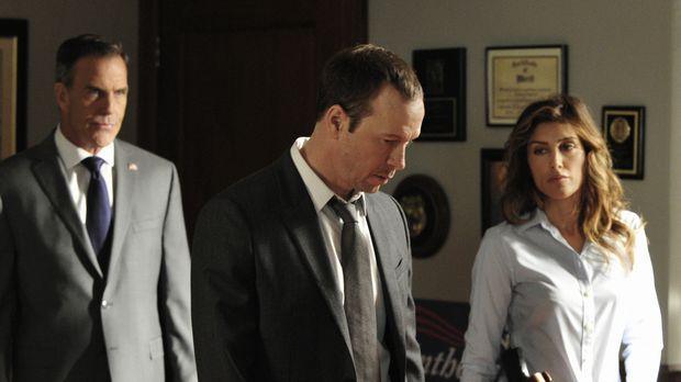 Zu ihrem Missfallen müssen Jackie (Jennifer Esposito, r.) und Danny (Donnie W...