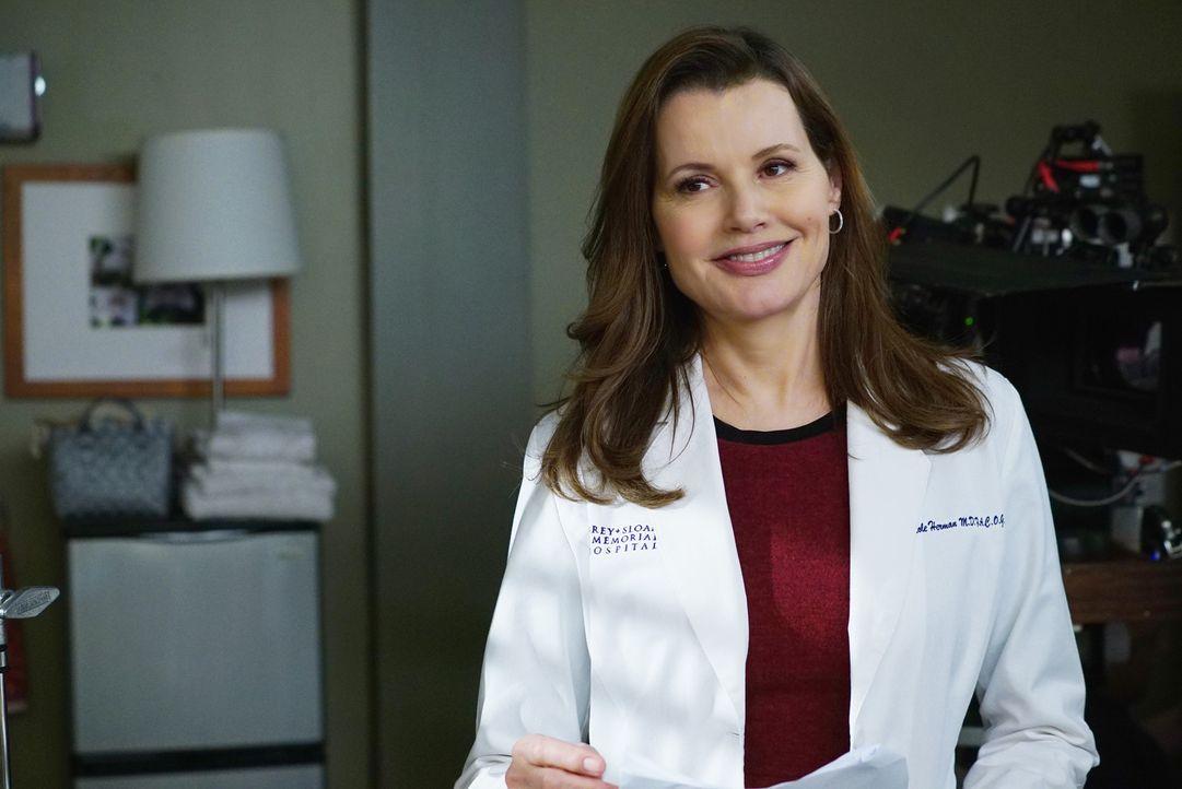 Glaubt, dass sie bei der bevorstehenden Operation sterben wird und stößt mit ihrem Verhalten einige Kollegen vor den Kopf: Dr. Hermans (Geena Davis)... - Bildquelle: ABC Studios