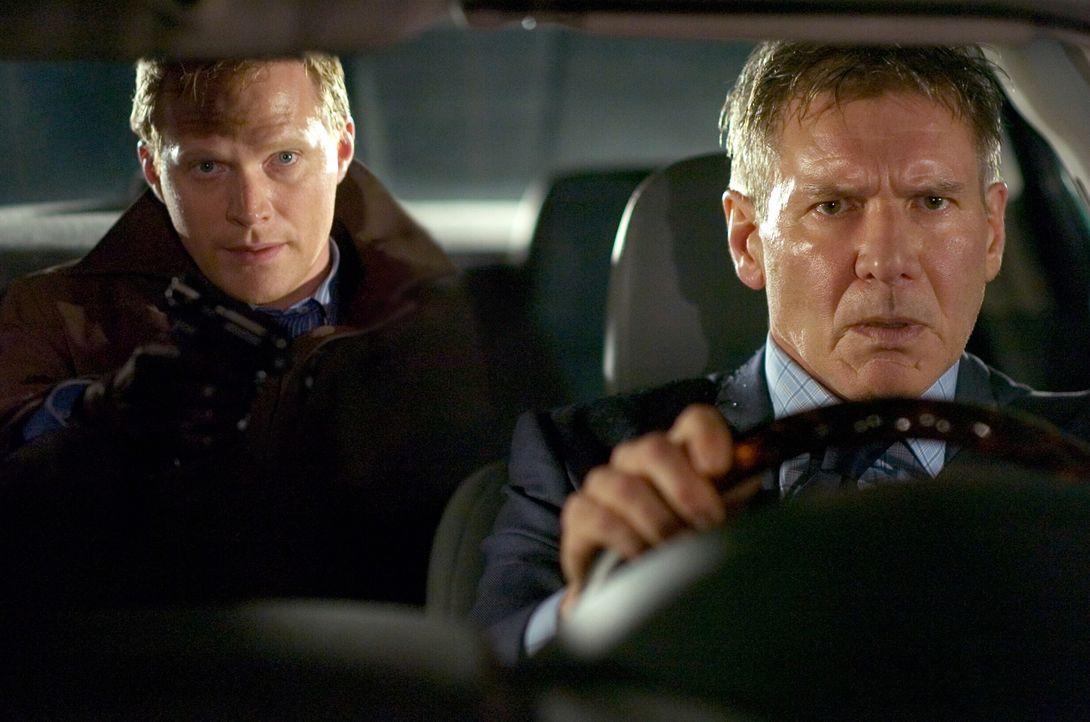 Jack Stanfield (Harrison Ford, r.) ist Sicherheitschef einer Bank, zu deren Schutz er eine unüberwindbare Firewall eingerichtet hat. Als eines Tages... - Bildquelle: Warner Bros. Pictures