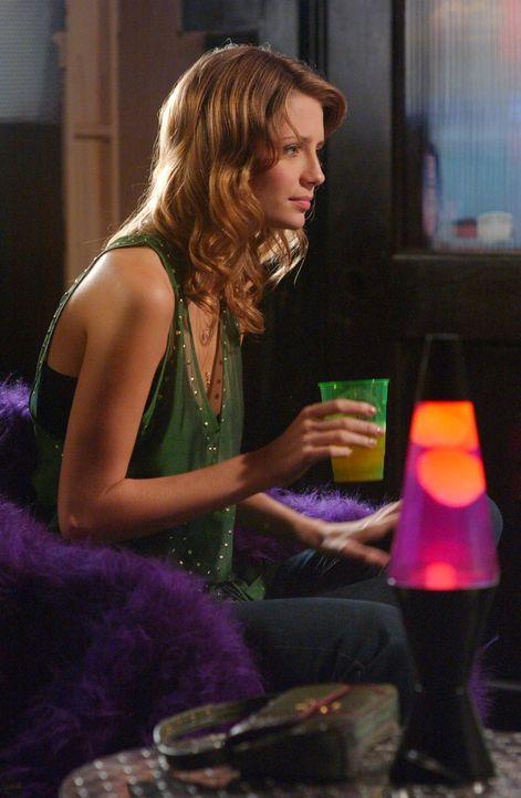 Marissa (Mischa Braton) kann nicht fassen, dass Ryan wegen Lindsay böse auf sie ist ... - Bildquelle: Warner Bros. Television