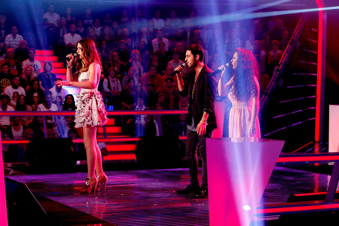 battle-iveta-vs-omid-vs-mari-13-the-voice-of-germany-richard-huebnerjpg 1700 x 1134 - Bildquelle: SAT.1/ProSieben/Richard Hübner