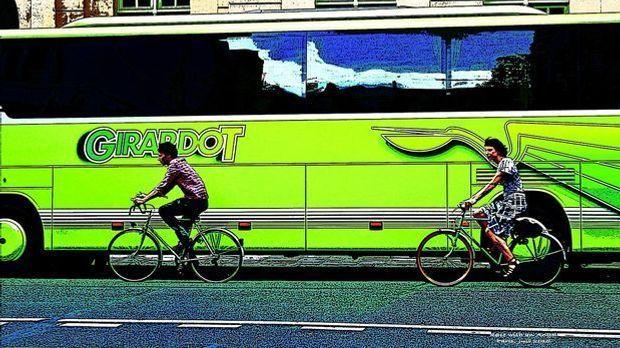 Paris Bus Fahrrad Pixabay
