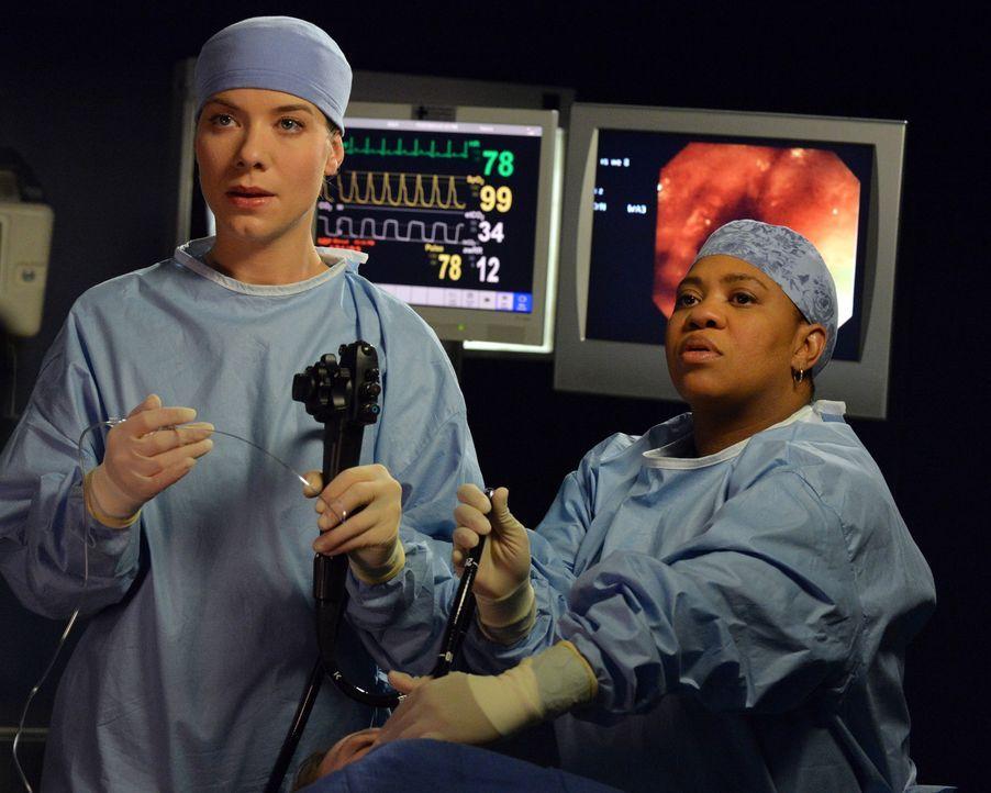Eine Unstimmigkeit zwischen Bailey (Chandra Wilson, r.) und Leah (Tessa Ferrer, l.) endet ganz anders als erwartet ... - Bildquelle: ABC Studios