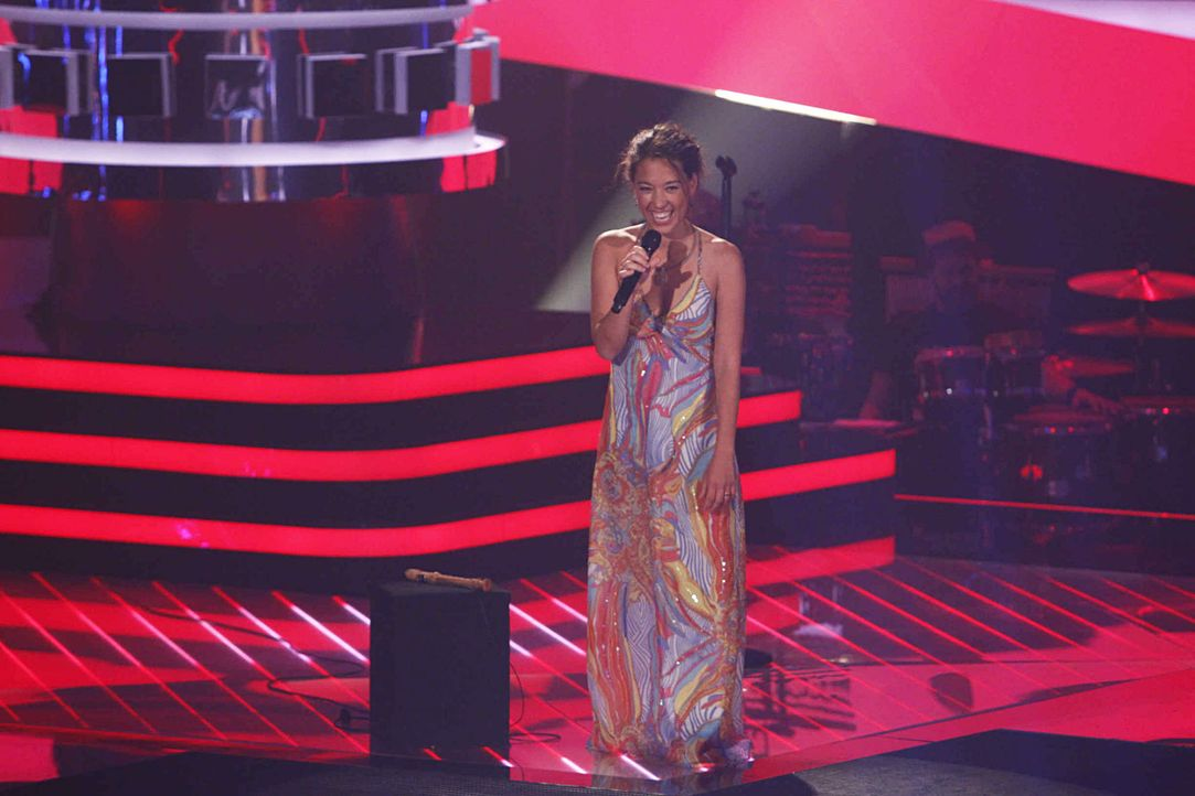 christin-04-the-voice-of-germany-staffel-2-epi01-showjpg 2000 x 1333 - Bildquelle: SAT.1/ProSieben/Richard Hübner
