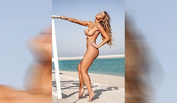 Dezember-Playmate Astrid Fajcsi - Bildquelle: Vivien Borzi für Playboy Dezember 2013