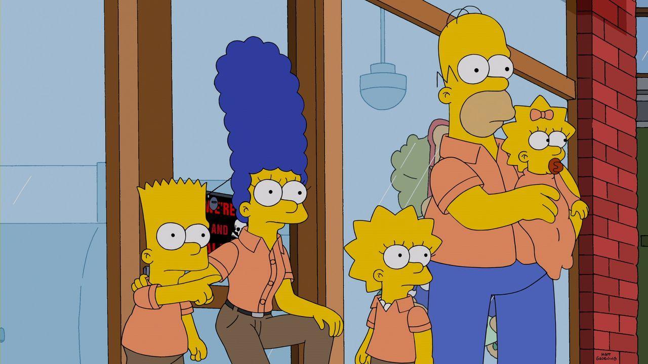 Als Marge (2.v.l.) Probleme mit ihren Mitarbeitern hat, müssen Bart (l.), Lisa (3.v.l.), Homer (2.v.r.) und Maggie (r.) einspringen ... - Bildquelle: 2014 Twentieth Century Fox Film Corporation. All rights reserved.