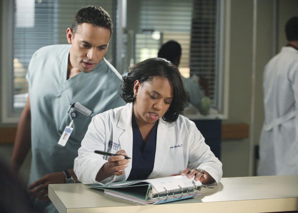 Richard kann nicht glauben, dass Teddy ihren Patienten geheiratet hat. Er findet, dass eine solche Beziehung zwischen Arzt und Patient absolut unang... - Bildquelle: ABC Studios