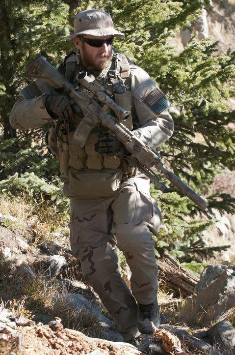 "Scharfschütze Second Class Petty Officer Matthew ""Axe"" Axelson (Ben Foster), der für die Wegplanung verantwortlich ist, ahnt nicht, dass ihn am Berg... - Bildquelle: Greg Peters Universal Pictures"