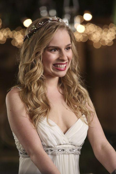 Freut sich auf ihren ganz besonderen Tag: Lisa (Allie Grant) ... - Bildquelle: Warner Brothers