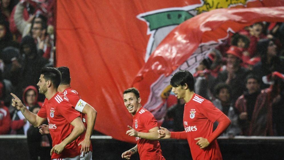 Benfica Lissabon bejubelt ein historisches 10:0 - Bildquelle: AFPSIDPATRICIA DE MELO MOREIRA