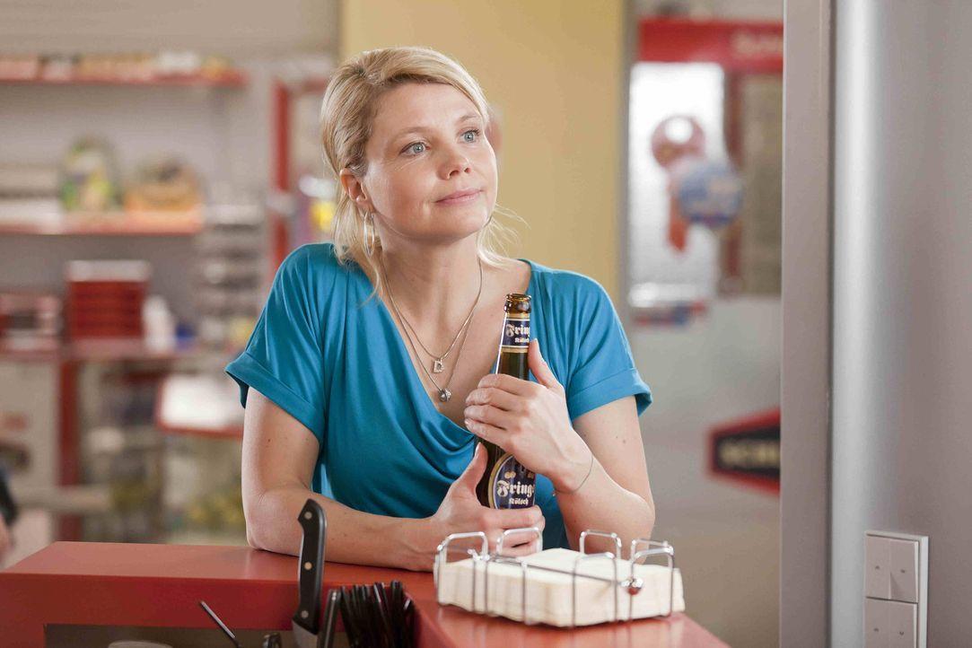 Beruflich, wie auch privat, steht Danni (Annette Frier) vor einer neuen Herausforderung ... - Bildquelle: Frank Dicks SAT.1