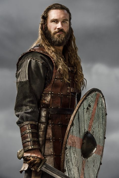 (3. Staffel) - Wird er seinem Bruder Ragnar weiter treu und loyal zur Seite stehen? Rollo (Clive Standen) ... - Bildquelle: 2015 TM PRODUCTIONS LIMITED / T5 VIKINGS III PRODUCTIONS INC. ALL RIGHTS RESERVED.