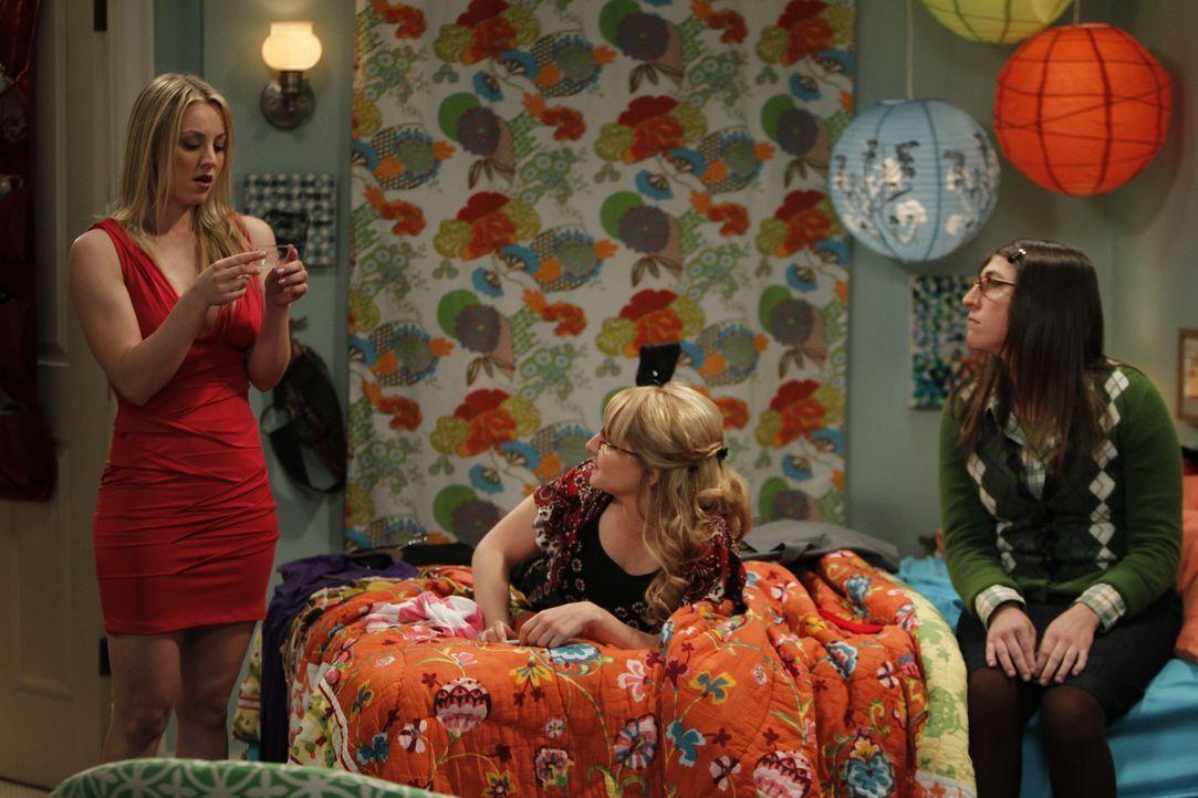 Haben sie wirklich Spaß miteinander? Penny (Kaley Cuoco, l.), Bernadette (Melissa Rauch, M.) und Amy (Mayim Bialik, r.) ... - Bildquelle: Warner Bros. Television