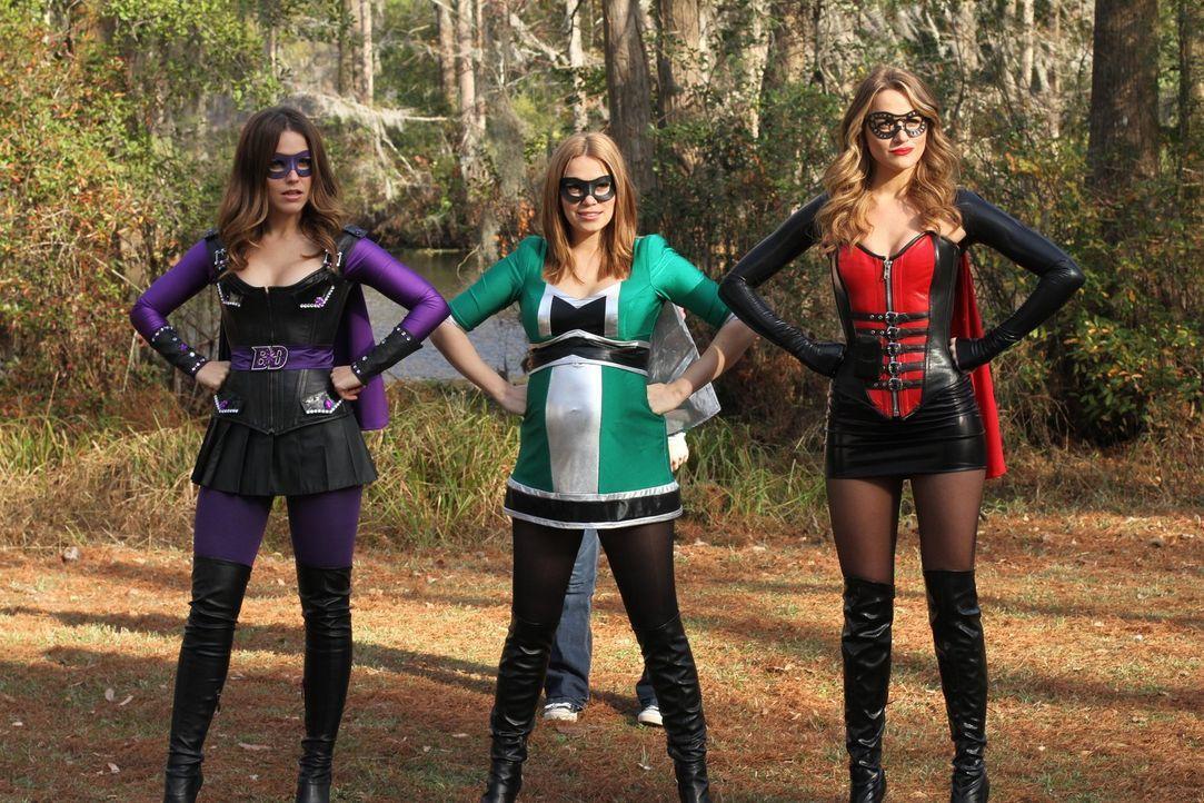 Schluss mit Langeweile: Brooke (Sophia Bush, l.), Haley (Bethany Joy Lenz, M.) und Quinn (Shantel VanSanten, r.) wollen ihre Talente für ein höheres... - Bildquelle: Warner Bros. Pictures