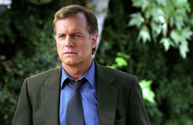 Eric (Stephen Collins) bekommt eine Nachricht, die ihn völlig aus der Bahn wirft: Er muss sich einer komplizierten Herz-Operation unterziehen. - Bildquelle: The WB Television Network