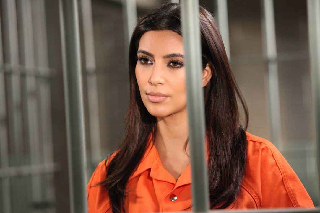 Nikki LePree (Kim Kardashian) sitzt noch immer im Gefängnis, doch es gibt Hoffnung für sie ... - Bildquelle: 2012 Sony Pictures Television Inc. All Rights Reserved.
