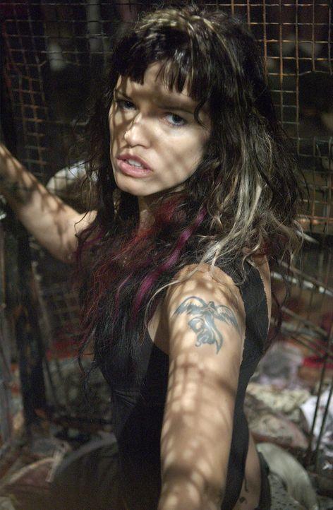 Will ganz brav werden, wenn sie dem hemmungslosen Serienkiller noch entkommen kann: Kira (Samantha Noble) ...