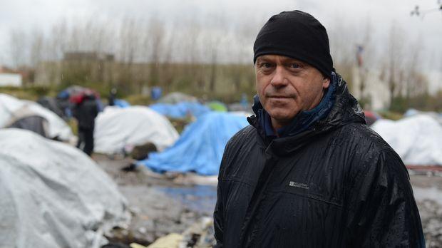 Der Flüchtlingsstrom nach Großbritannien stellt die französische Stadt Calais...