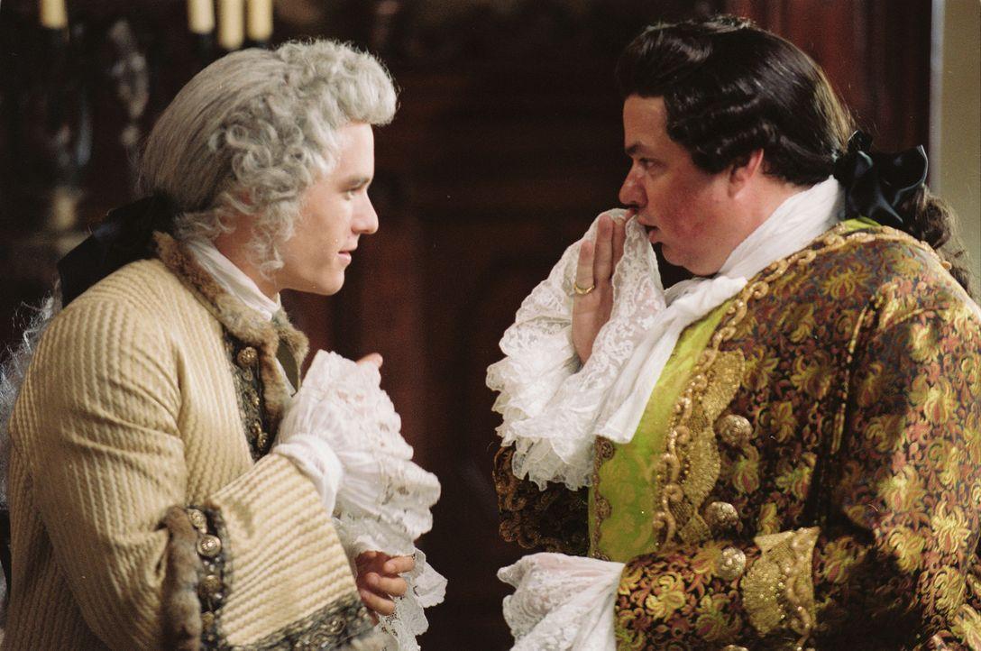 Paprizzio (Oliver Platt, r.) ahnt nicht, dass Giacomo Casanova (Heath Ledger, l.) alles tun würde, um von seiner Verlobten erhört zu werden ... - Bildquelle: Buena Vista Pictures. All rights reserved